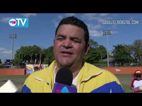 Peloteritos la sacan del estadio en tributo a Chávez
