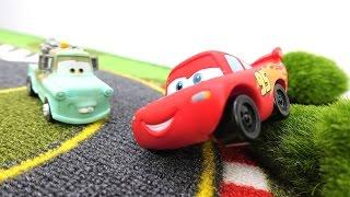 #Машинки! #ТАЧКИ! Детское видео! Видео про машинки! Молния Маквин сдает экзамен по гонкам! 🏎️ ГОНКИ!