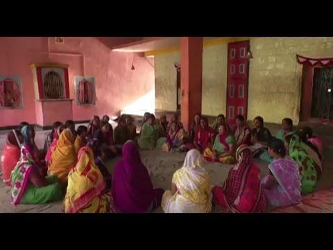 Women Flex Soft Power to Encourage Shramdaan (Marathi)