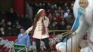 Miley Cyrus - I Thought I Lost You - 2008 Macy's Thanksgiving Day Parade (HD/HQ)