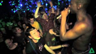 Video DRUMSTATION - FUTUREBOUND & DRAMAJAQUA @ CROSS CLUB PRAGUE