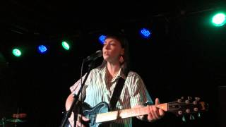 Angel Olsen - Unfucktheworld (The Riot Room, Kansas City MO 04/28/2014)