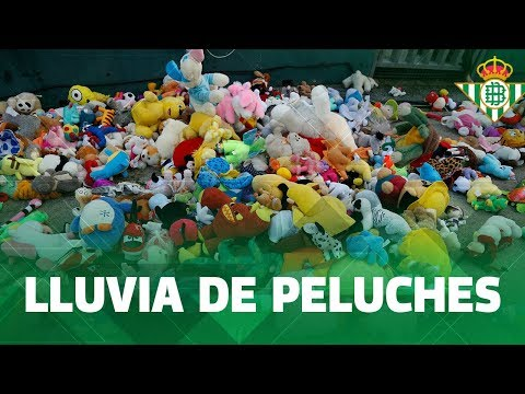 El Betis recoge 17.500 peluches para regalar estos Reyes