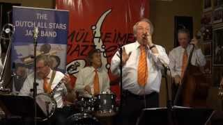 "Dutch All Stars Jazz Band plays ""Give me a kiss to build a dream on"""