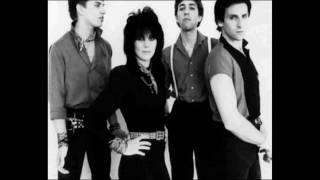 Joan Jett & The Blackhearts  crimson and clover (lyrics)
