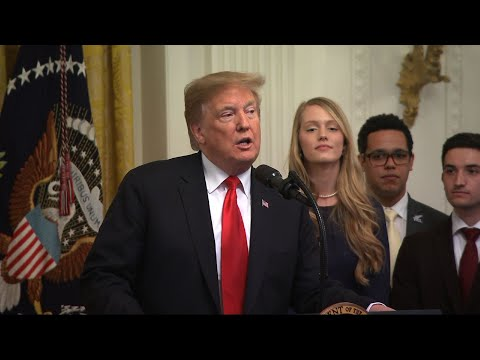 President Donald Trump signed an executive order Thursday requiring U.S. colleges to protect free speech on their campuses or risk losing federal research funding. (March 21)