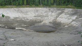 Исчезающее раз в 4 года озеро Чёрная Яма.