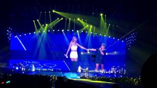 Taylor Swift and Natalie Maines - Goodbye Earl Staples Center LA 8/24/2015