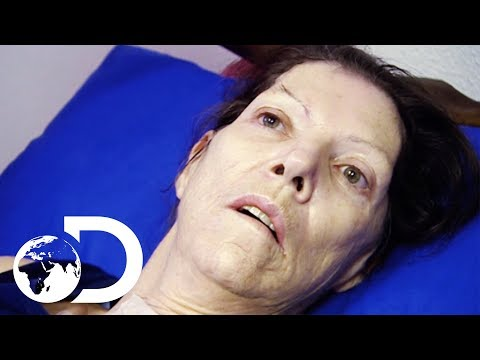 Woman wakes up from a coma after 2 years