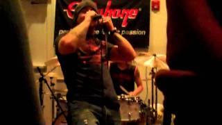 Eye Empire - Feels like I'm Falling (Private Showcase Gibson Showroom NYC)