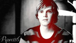 Evan Peters, Be running up that hill
