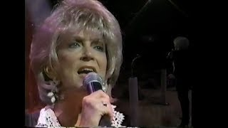 """Jeannie Seely Sings """"I Can't Stop Loving You"""""""