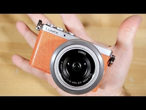 "Lumix GM1 ""World's Smallest Mirrorless Camera"" (NOT quite), Unboxing"