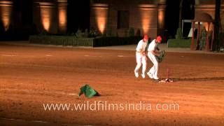 Delhi: Amazing Horse riding by the Bodyguards