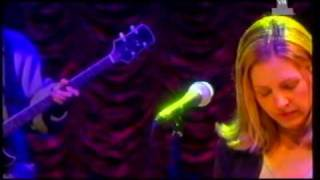 Saint Etienne - Lose That Girl (Live 1998)