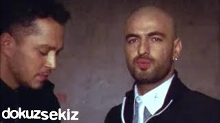 Murat Boz Feat. Soner Sarıkabadayı - İki Medeni İnsan (Official Video)