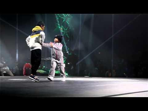 Tôi đã ngừng thở khi xem 2 đứa nhóc này đấu breakdance, đứa nhỏ hơn là con gái nhé