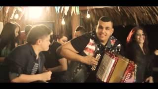 Me Tiene Coleto - Mono Zabaleta feat. Rolando Ochoa (Video)