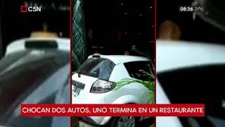 Chocaron dos autos y uno de ellos se incrustó en un restaurante en La Plata