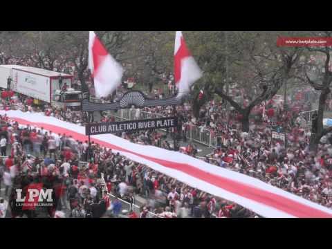 """""""La Bandera Más Larga del Mundo - 7829 metros en 3 minutos - LPM"""" Barra: Los Borrachos del Tablón • Club: River Plate"""