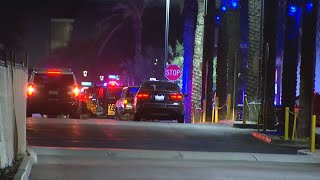 Shooting at Westgate in Glendale leaves at least 2 hurt