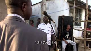preview picture of video 'Bienvenue à Nioumachoua - Testing STEADICAM long shot in a narrow place'