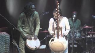 Gambar cover Kora and Djimbe conversation - Sona Jobarteh and Mamadou Sarr solo - Brave Festival, Poland 2015