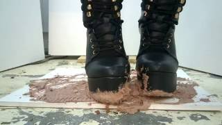 Black ankle boots crush Cake