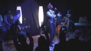 """Mali Music Sings """"Glory To The Lamb"""" Unplugged"""