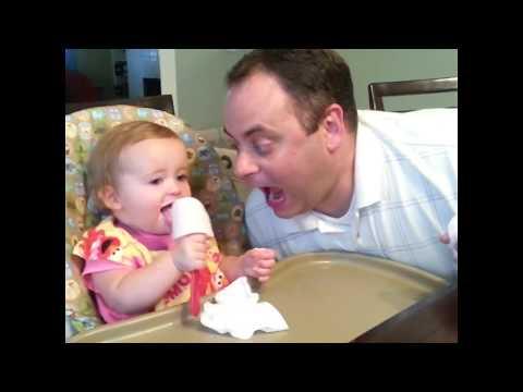 סרטון חמוד: למה לא משאירים תינוק לבד עם אבא?