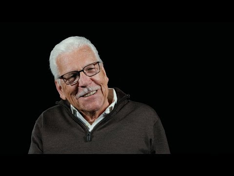 In Search of Darkness (2019) Halloween III's Tom Atkins // Exclusive Clip HD