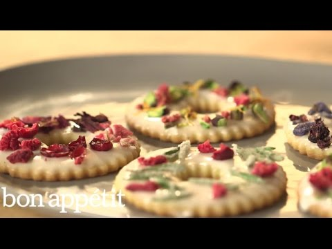 How to Make Lavender Shortbread, the Loveliest Holiday Dessert