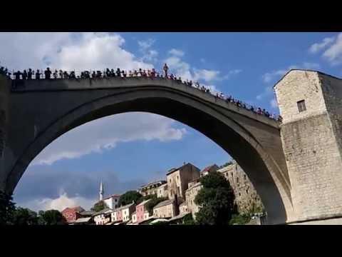 Прыжок со Старого моста в Мостаре (Old b