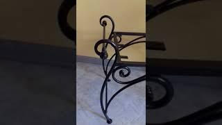 Маленькая кованая банкетка, маленькая лавочка, лавка, скамейка от компании Кузнечная мастерская Симанова Влада - видео