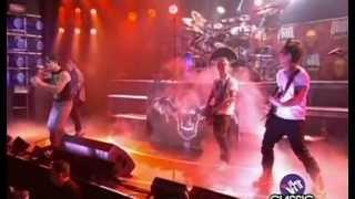 Avenged Sevenfold - Mouth For War (Revolver Golden Gods Awards)