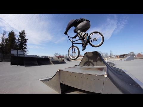 Thrown Out By The Cops... Bmx Session At Black Rock