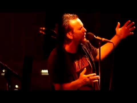 Pearl Jam - Low Light - Milwaukee (October 20, 2014) (4K)