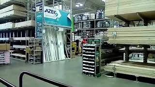 Lowes employees fighting