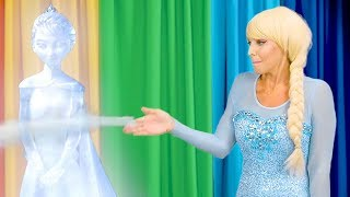 SCHOOL TALENT SHOW. (Princess Belle, Rapunzel, Jasmine, Elsa and Anna do Magic Tricks) Totally TV
