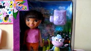 Кукла Даша-путешественница с башмачком, канцелярский набор и часы/Doll Dora  with a slipper