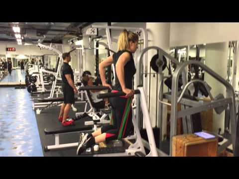 How to do: Tricep Dips - Band Assisted | Olly Foster
