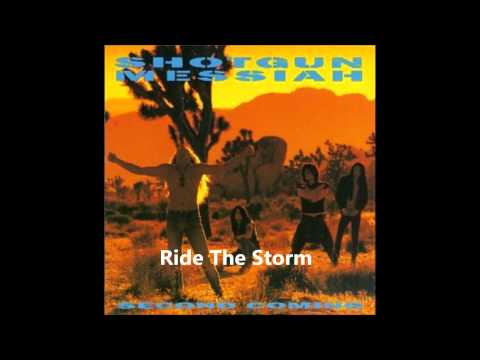 Música Ride In The Storm