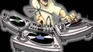 مهرجان هاتي بوسة يا بت أغنية شعبي الوسادة الخالية 2012.FLV تحميل MP3