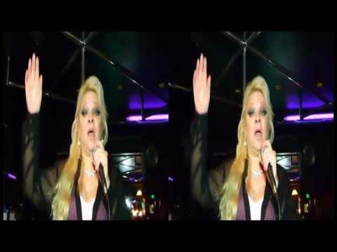 """Use Me""  Francesca Capasso sings in 3D;"
