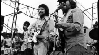 Sittin' on the Dock of the Bay – Waylon Jennings & Willie Nelson