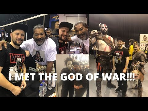 I Met The God Of War Kratos Himself at Comic con! He did the most amazing thing for me!