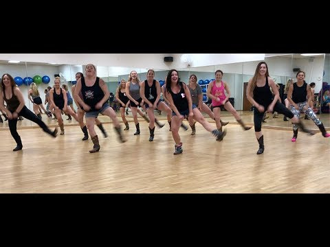 Git Up Challenge - Blanco Brown (Featuring Boot Boogie Babes)