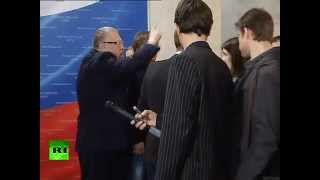 Жириновский накричал на беременную журналистку