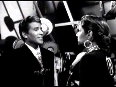 Miguel Aceves Mejía y Rosita Quintana (voz de Amalia Mendoza) -- A los cuatro vientos