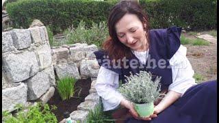 Die Kräuterhexn - Die Kräuterschnecke wird bepflanzt